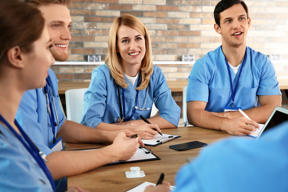 The Benefits of Using a Medical Staffing Agency to Hire